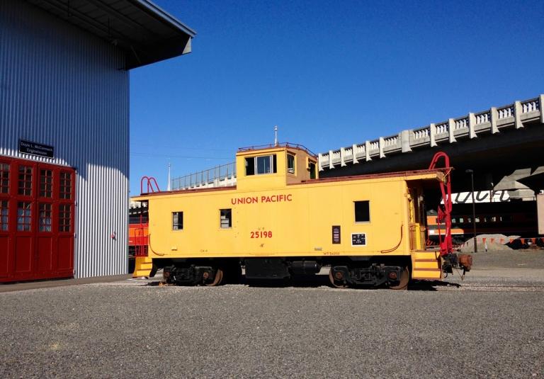 ポートランドにあるオレゴン レイル ヘリテイジ センター(ORHF)へ家族で立ち寄る