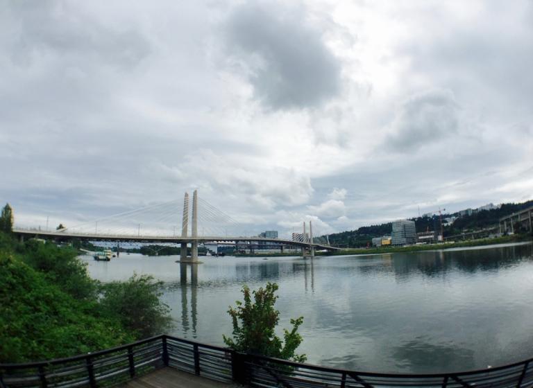 ポートランドにあるオレゴン科学産業博物館(OMSI)から見える景色