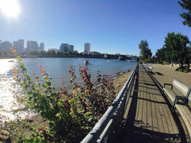 ポートランドのウィラメット川沿い