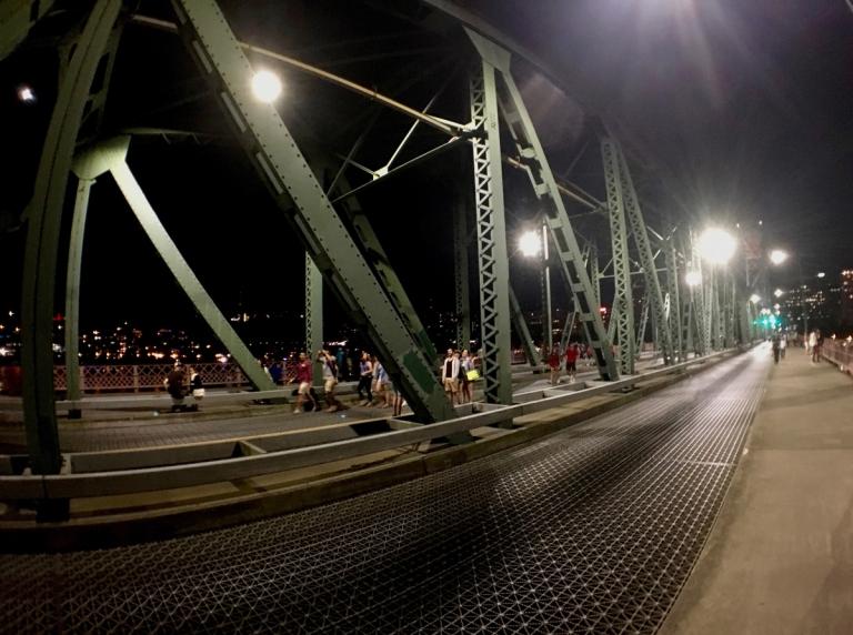 2017年独立記念日花火あとのホーソーン橋