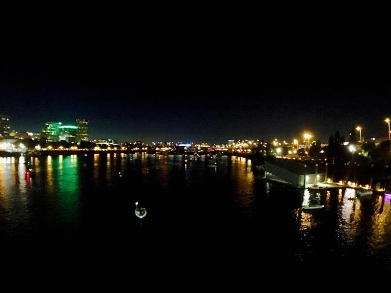 2017年独立記念日花火あとのホーソーン橋からの夜景
