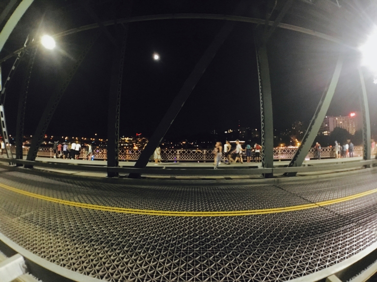 2017年独立記念日花火あとのホーソーン橋からの景色