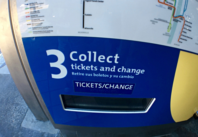 MAXライトレール、乗り方、MAX Light Rail Service Trimet、ポートランド、オレゴン、観光、OYAKO PORTLAND、家族旅行、子連れ