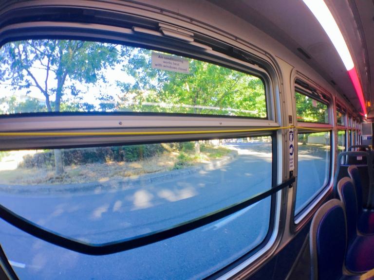 ポートランドの路線バスで降りる際にひっぱる黄色いひも