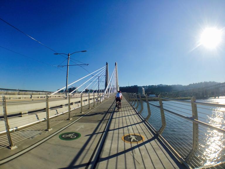 ポートランドにできた新しい橋ティリカムクロッシングを実際に歩いて渡ってみた景色