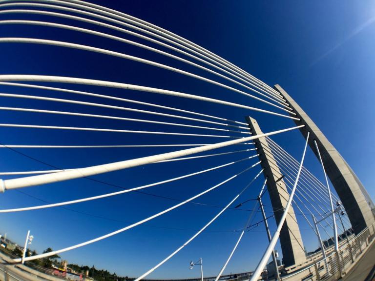 ポートランドにできた新しい橋ティリカムクロッシングの景色