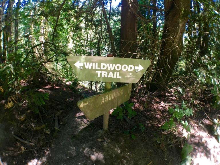 アッパー・マクレイ・パークのハイキングトレイルサイン