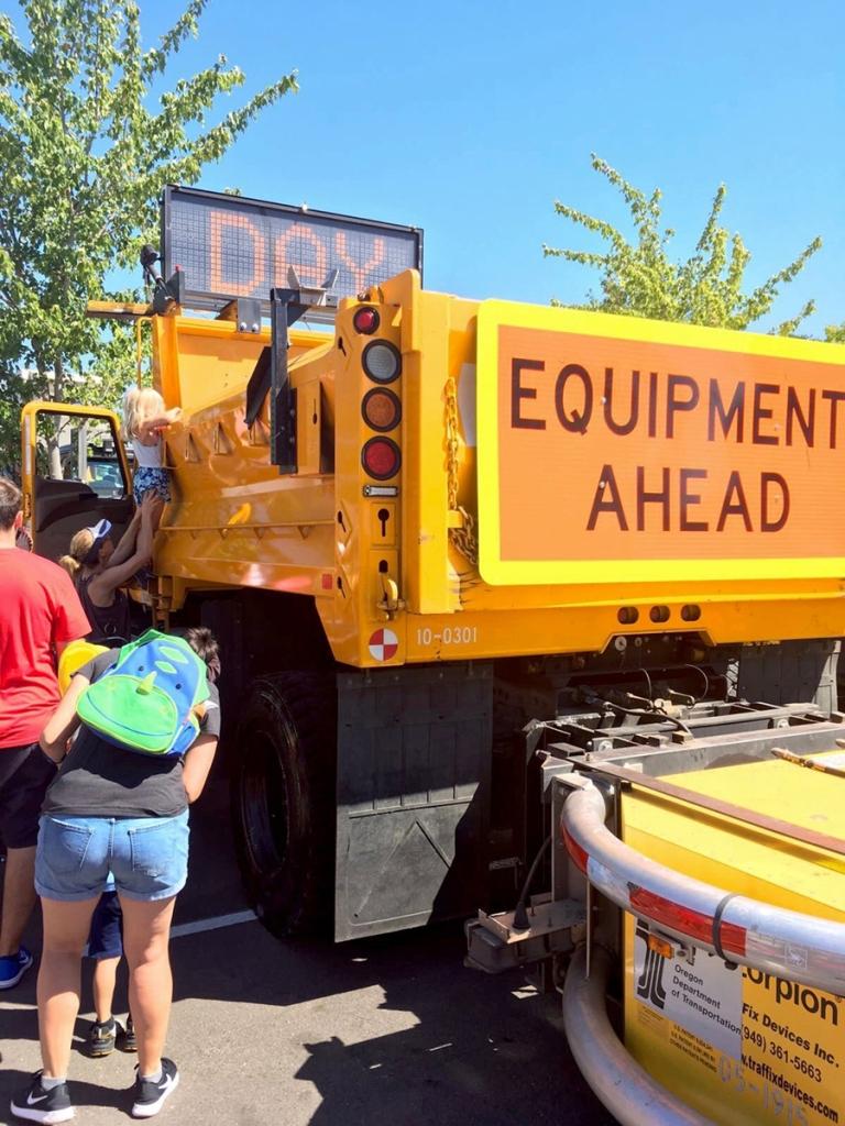 ポートランドの郊外ビーバートンで2017年に行われたBig Truck Day Conestogaの様子
