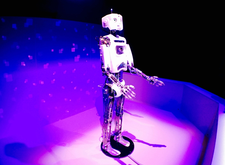 Portland OMSI Robot Revolution-Oyako Portland2