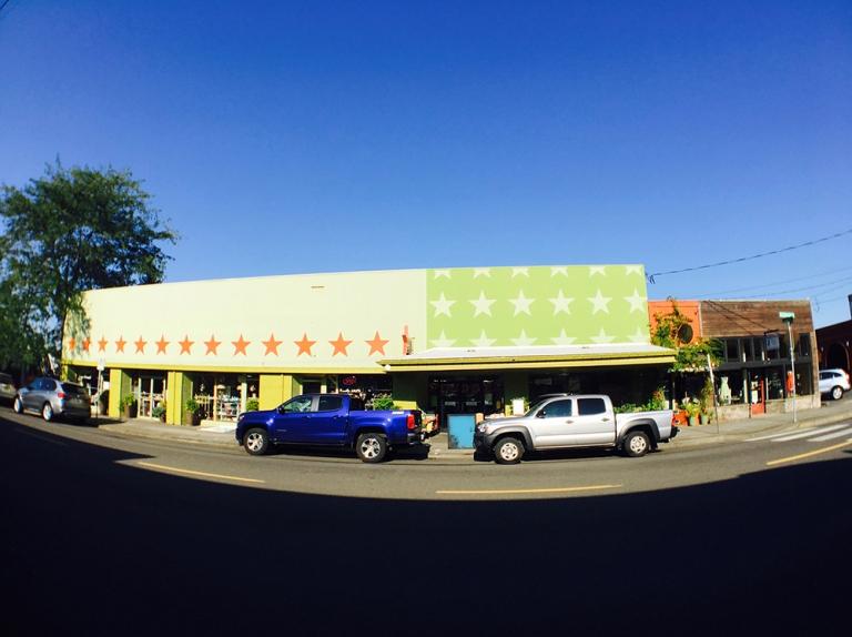 sellwood Oregon Portland Antique mall Shopping5