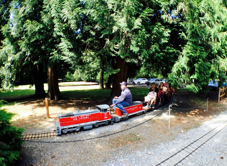 Pacific NW Live Steamers-family friendly train park - oyako portland6